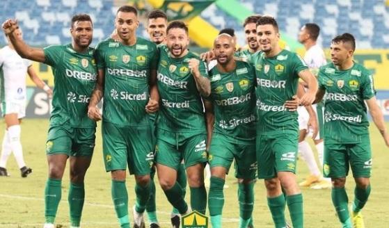Cuiabá a um passo de fazer história no futebol do Brasil