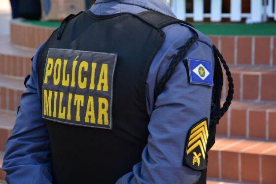 Policiais conduziram o médico para a delegacia da cidade.