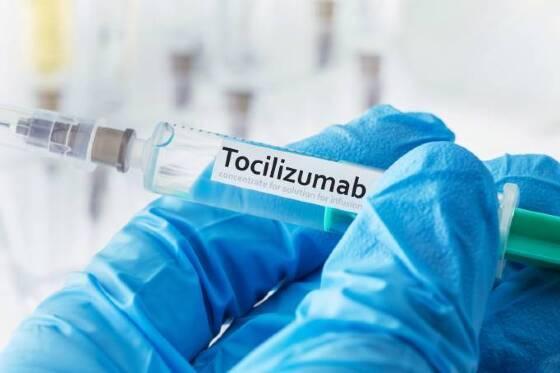 Polêmico, o Tocilizunabe demonstra evidências de benefícios no tratamento de pacientes em estado crítico de covid-19, mas efeitos colaterais são preocupantes.