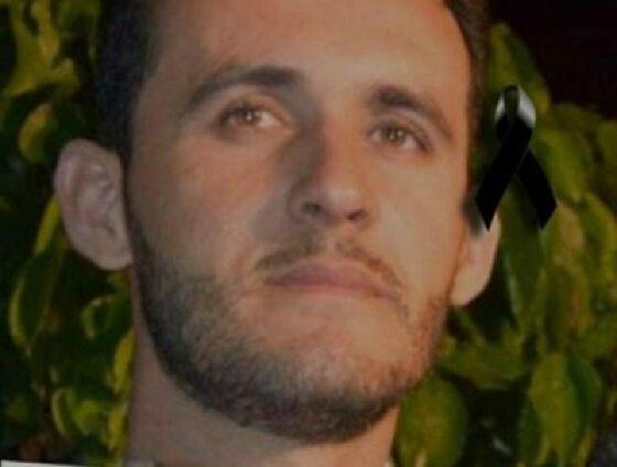 Roberto morreu após ser atingido por um tiro acidental na barriga.