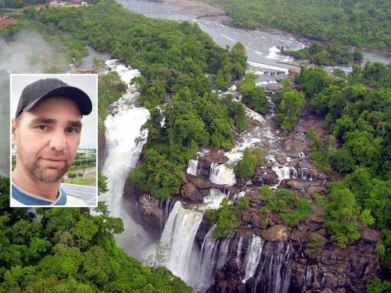O homem subiu no muro de contenção e pulou da cachoeira.