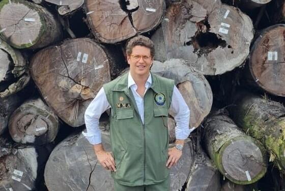 Ministro do Meio Ambiente é alvo da PF