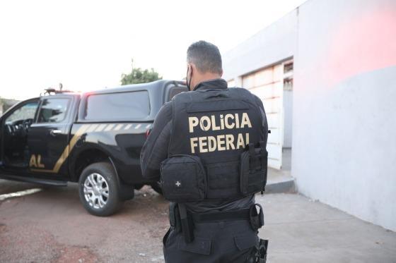 Cerca de 400 policiais federais cumprem 95 mandados